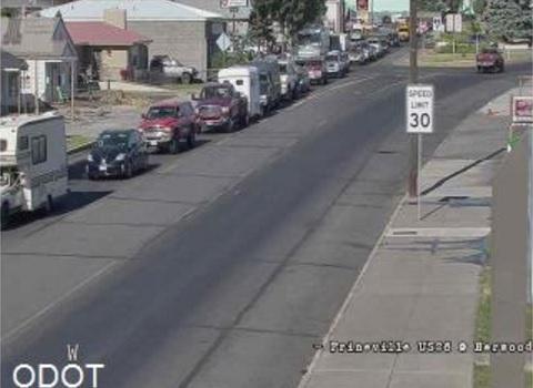 Eclipse enthusiasts create traffic jam in Oregon