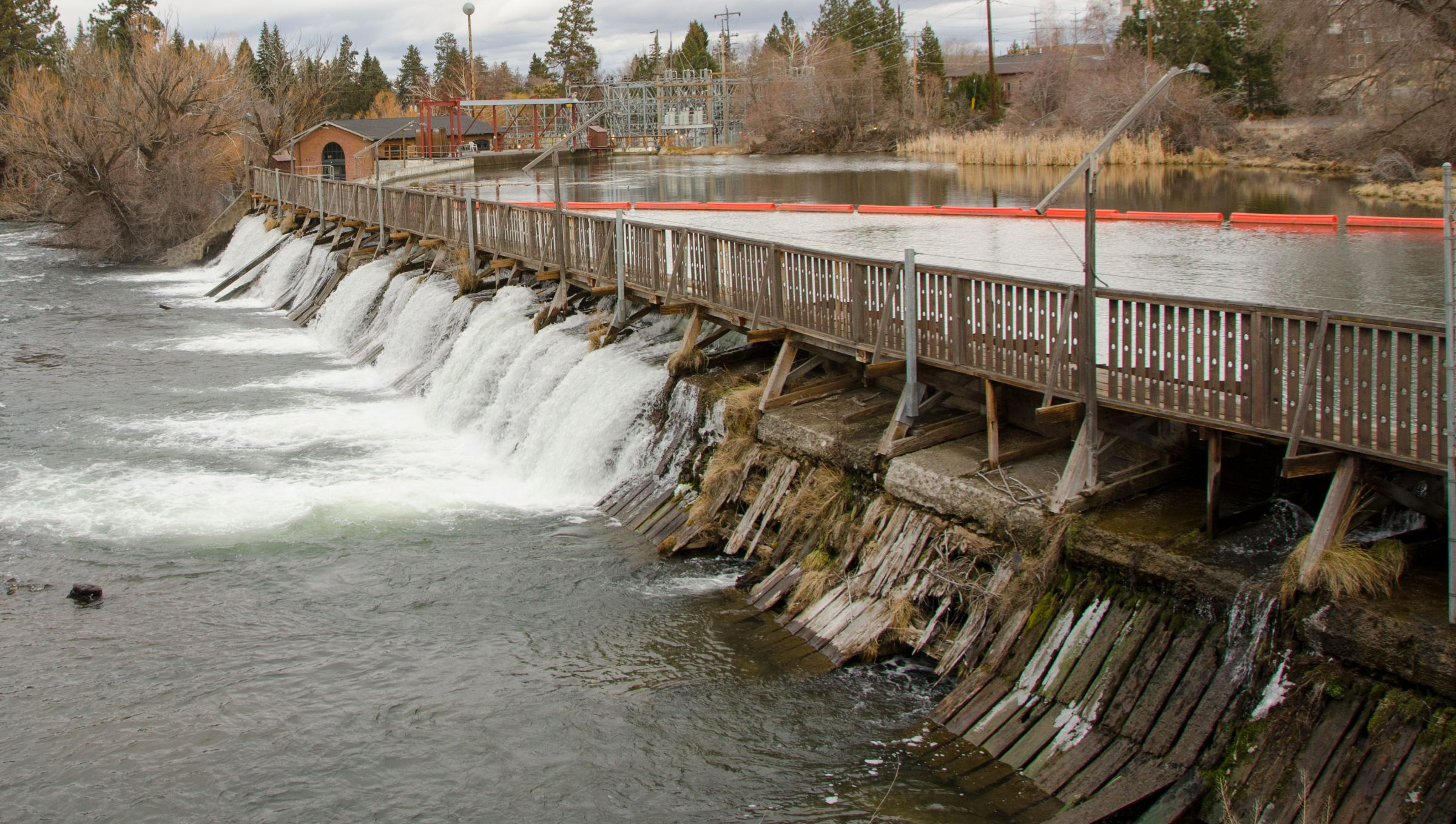 Tumalo irrigation proceeds with mirror pond proposal for Small pond dam design